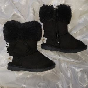 39d32373d08 Makalu California IcelandFringe Booties
